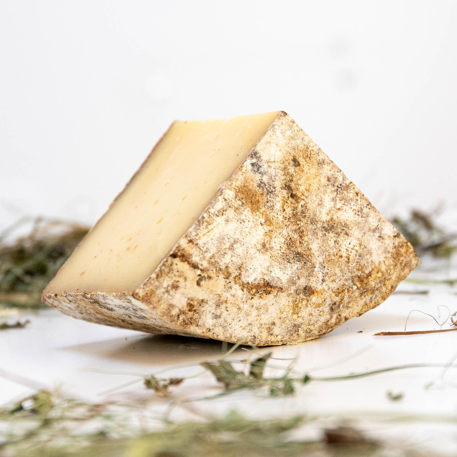Fetta di formaggio nostrano do pare