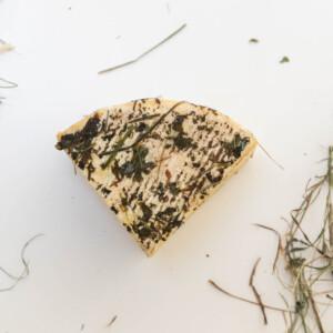 formaggio bio affinato al fieno